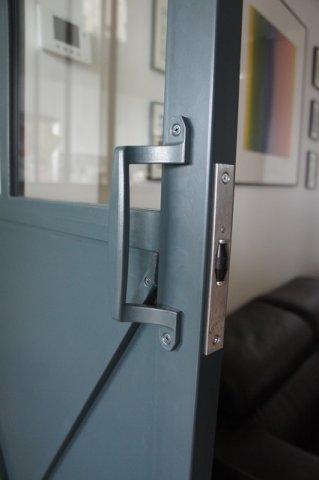 Porte de style atelier d 39 artiste en acier battante ou - Prix d une verriere interieure ...