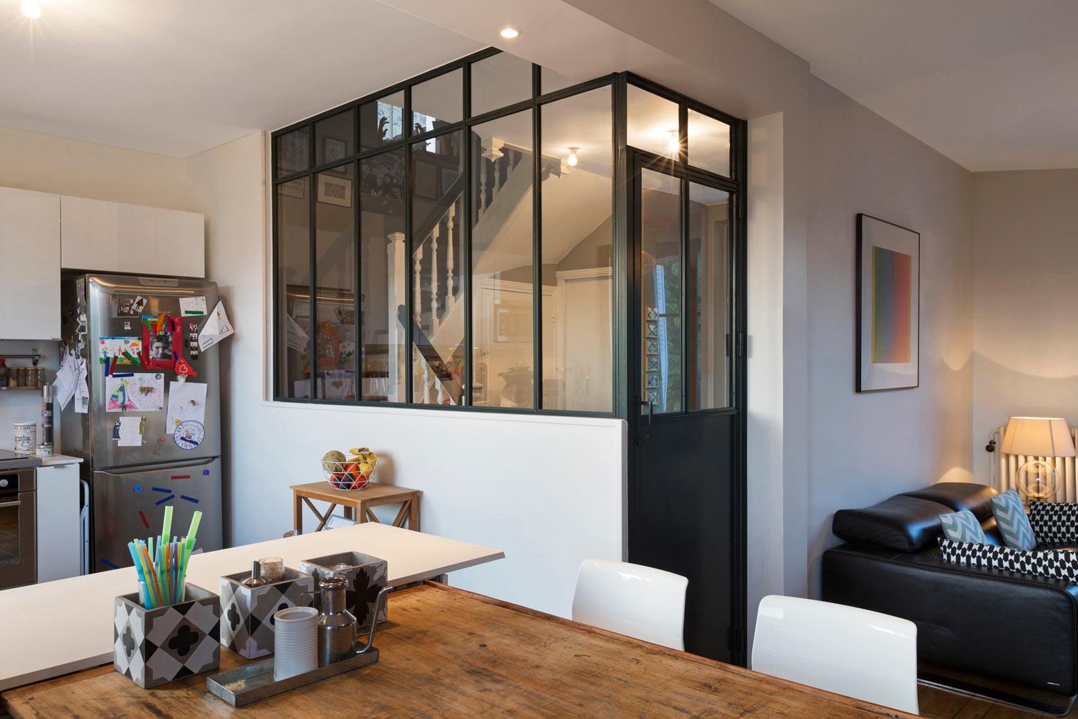 Verri re de s paration atelier d 39 artiste sur un muret en angle for Verriere cloison vitree