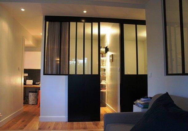 verri re pour s parer une chambre et un salon. Black Bedroom Furniture Sets. Home Design Ideas