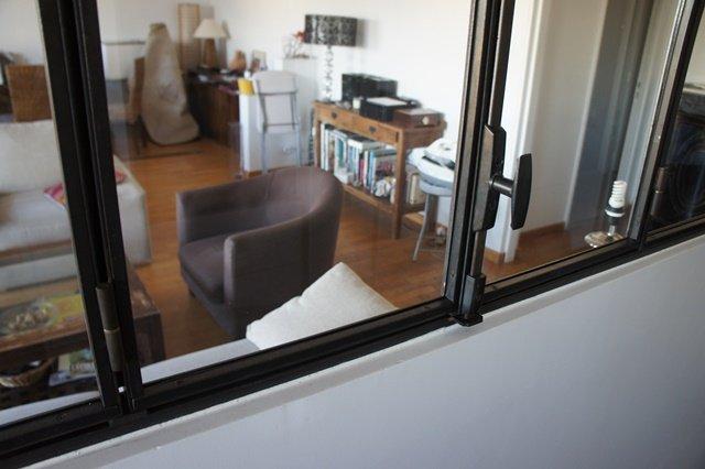 verri re et cloison atelier d 39 artiste couleur acier. Black Bedroom Furniture Sets. Home Design Ideas