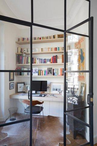 Porte de style atelier d 39 artiste en acier battante ou frappe - Porte verriere blanche ...