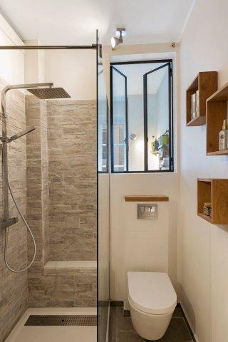 verriere atelier artiste salle de bain eau 111